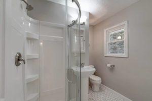 alto bathroom 2
